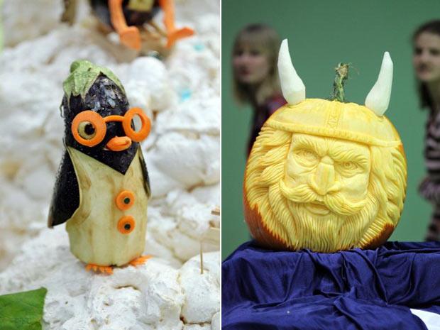 À esquerda, pinguim feito de uma berinjela e cenoura. À direita, viking feito de uma abóbora. (Foto: Jan Woitas/AFP)