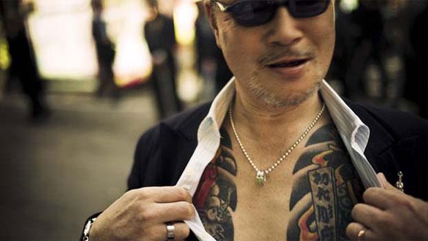 Após meses de longas negociações, Kusters conseguiu ganhar a confiança da gangue e fotografar o recôndito mundo do crime organizado. (Foto: © anton kusters/www.antonkusters.com)