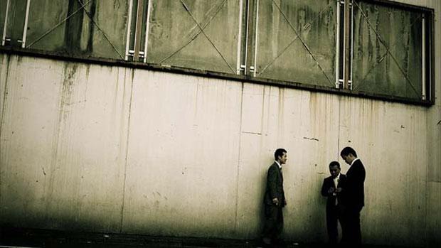 A Agência Policial do Japão estima que em 2009 havia 80.900 gangues do tipo, cujas atividades incluem tráfico de drogas, extorsão, apostas ilegais e guerras de gangues. (Foto: © anton kusters/www.antonkusters.com)