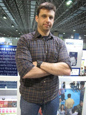 O escritor Edurdo Spohr (Foto: Carla Meneghini/G1)