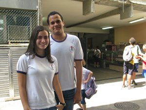 Ana Carolina e Igor estudam no CAp-UERJ  (Foto: Thamine Leta)