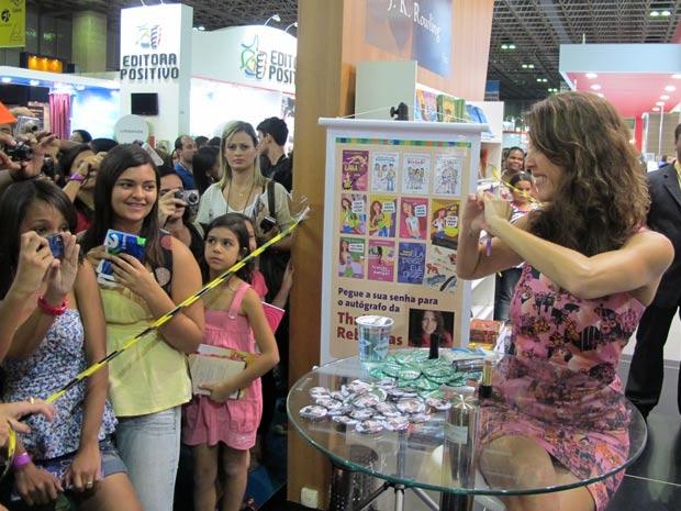 Thalita Rebouças na Bienal (Foto: Carla Meneghini/G1)