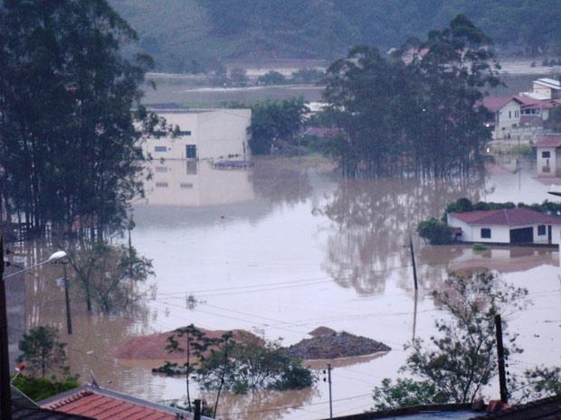 São João Batista tem 10 mil pessoas afetadas pelo temporal (Foto: Cleiton Benkendorf/VC no G1)