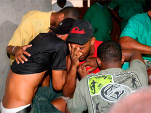 Acidente mata nove operários em Salvador (Foto: Arestides Baptista/ Agencia A Tarde / AE)