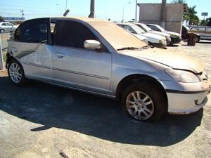 Honda Civic será leiloado no próximo sábado (17) em Aparecida de Goiânia (Foto: divulgação)