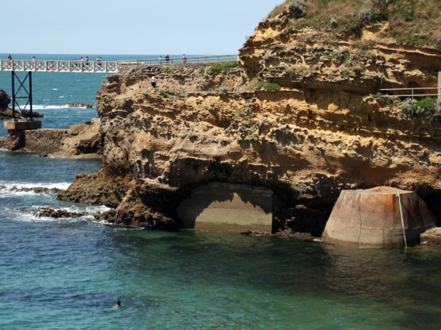 Erosão na costa de Biarritz, na França (Foto: Projeto Clamer e Agência Europeia de Meio Ambiente)