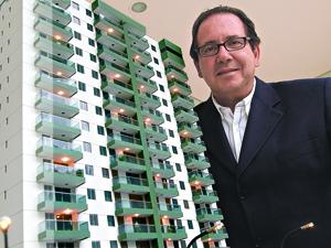 Kfuri é consultor imobiliário no ES (Foto: Fábio Vicentini/A Gazeta)