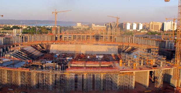 Governo do Distrito Federal diz que 38% das obras do Estádio Nacional de Brasília estão prontas.  (Foto: Jamila Tavares/G1)