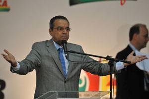 O líder do PMDB na Câmara, deputado Henrique Alves, no fórum nacional do partido, em Brasília (Foto: Pedro Ladeira / Frame / Agência Estado)