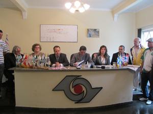 Integrantes da Liga e presidentes das escolas de samba participaram de anúncio (Foto: Clara Velasco/G1)