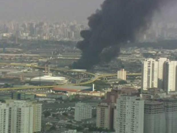 Fogo pode ser visto de longe (Foto: Reprodução/TV Globo)