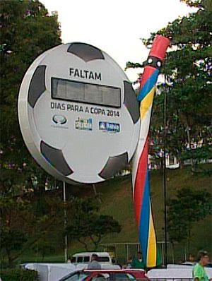 Relógio fará contagem regressiva para Copa 2014 (Foto: Reprodução/TV Bahia)