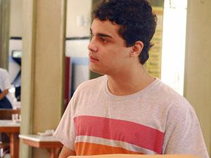 Ator Alexandre Lemos foi assaltado em Niterói, RJ (Foto: João Miguel Júnior/TV Globo)