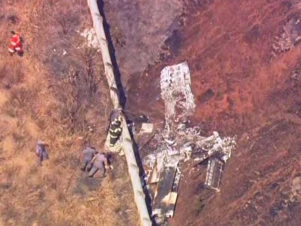 Restos da aeronave que caiu em Cotia (Foto: Reprodução/TV Globo)