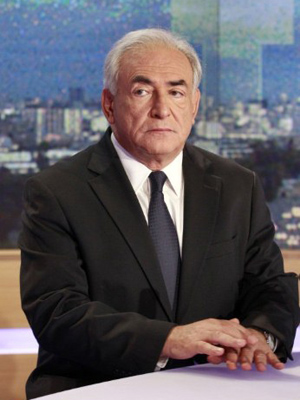 Dominique Strauss-Kahn no estúdio da TF1 (Foto: AFP / François Guillot)
