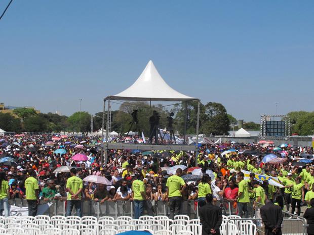 Não há por parte da PM e da organização do evento uma estimativa de público no local (Foto: Letícia Macedo/ G1)