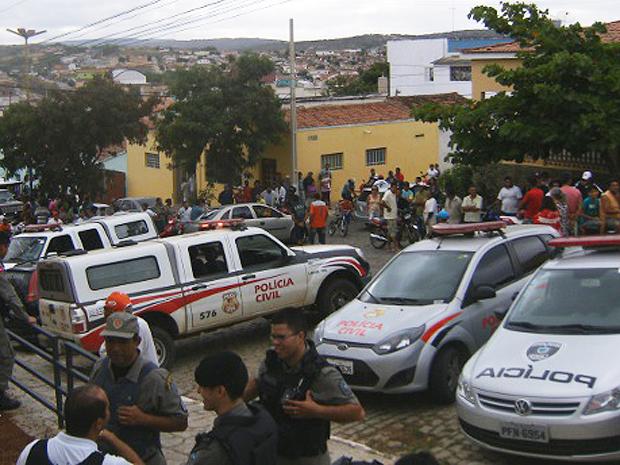 Tumulto em Picuí após prisão (Foto: Divulga/PMPB)