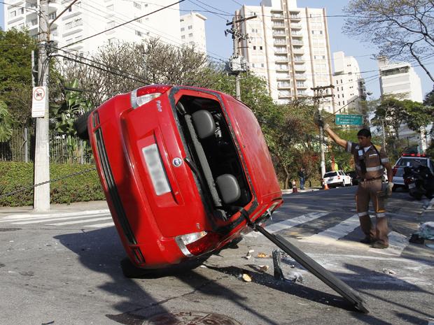carro vereador josé diniz (Foto: Rahel Patrasso/ Frame/AE)