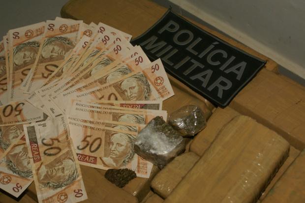 Jovem é preso com drogas e quase R$ 3 mil em dinheiro falso em MS (Foto: Perfil News/Divulgação)