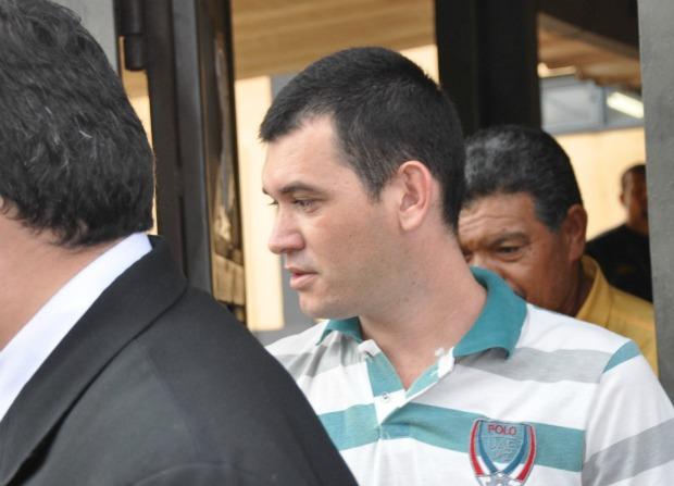Hugleice da Silva ao ser libertado do Instituto Penal de Campo Grande nesta terça-feira (Foto: Leandro Abreu/G1 MS)