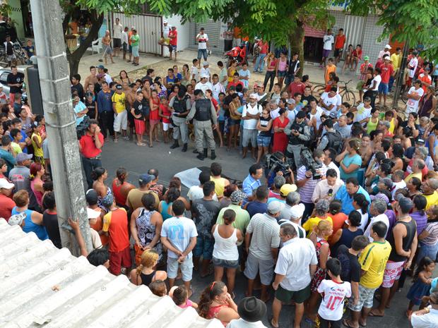 Jovem é assassinado na Paraíba (Foto: Walter Paparazzo/G1)
