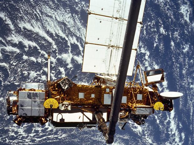 Satélite UARS, levado ao céu em 1991, foi desativado em 2005 pela Nasa. (Foto: Nasa / via AP Photo)