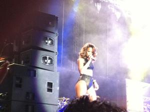 Rihanna se apresenta no Ginásio Nilson Nelson, em Brasília (Foto: Naiara Leão/G1)