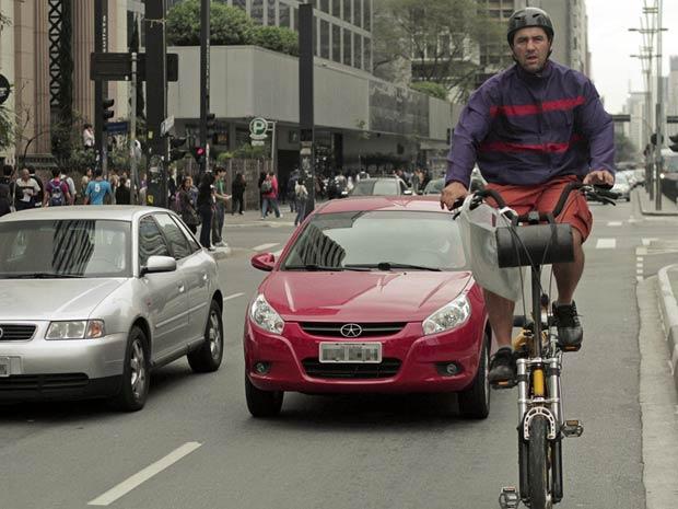 Cerca de 200 ciclistas se reuniram na manhã de hoje para tomar café da manhã na Praça do Ciclista, na esquina da Avenida Paulista com Consolação em São Paulo, SP. (Foto: Leo Martins/Futura Press)