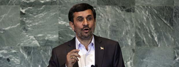 O presidente do Irã, Mahmoud Ahmadinejad, fala na Assembleia Geral da ONU nesta quinta-feira (22) (Foto: Reuters)