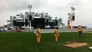Cidade do Rock passa por últimos preparativos para início do festival (Thamine Leta/G1)