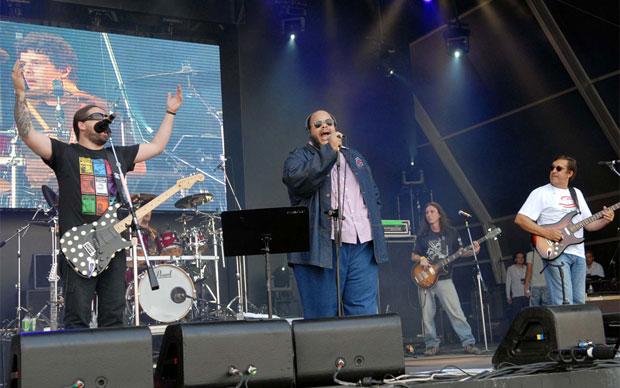 Ed Motta, Andreas Kisser e Rui Veloso tocaram clássicos do rock como Eric Clapton e Led Zeppelin (Foto: Alexandre Durão/G1)