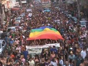 Parada da Diversidade Sexual de 2010 em Campo Grande (Foto: Reprodução/TV Morena)