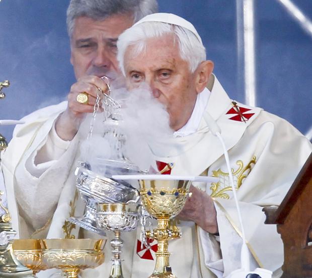 Papa Bento XVI visita regiões de maioria protestante e ateísta durante visita de 4 dias à Alemanha. (Foto: Thomas Peter / Reuters)