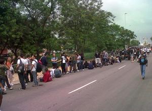 Fãs já fazem fila para 2º dia doRock in Rio; siga em tempo real (Carolina Lauriano/G1)