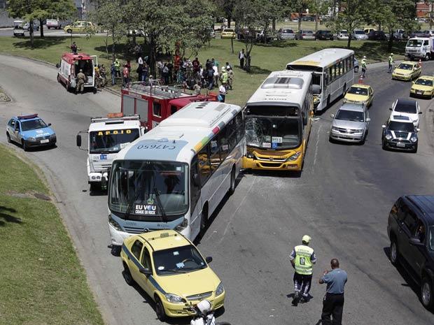 Acidente no Aterro do Flamengo (Foto: Alex Ribeiro/Folhapress)