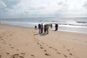Mulher encontrada morta na praia do Bessa (Foto: Walter Paparazzo/G1)
