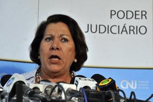 Ministra Eliana Calmon durante entrevista em agosto (Foto: José Cruz / Agência Brasil)