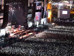 Shows levaram uma multidão à Cidade do Rock (Foto: AP)