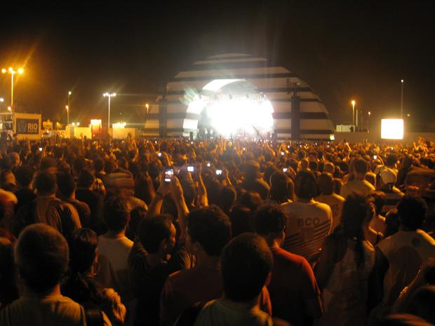 Público lotam área do Palco Sunset para o show de Joss Stone (Foto: Braulio Lorentz/G1)