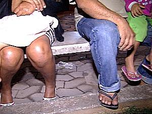 Ameaçada de morte por traficantes, família mora na delegacia, no ES (Foto: Reprodução/TV Gazeta)