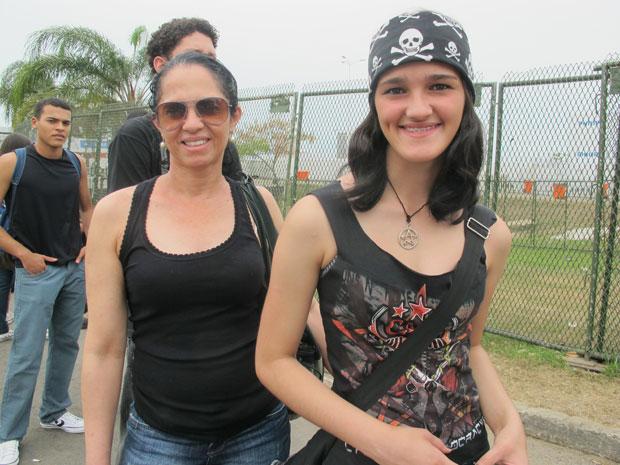 Jovem usa bandana de caveiras para homenagear ídolos (Foto: Carolina Lauriano / G1)