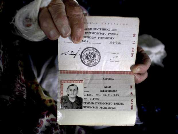 Ela viveu o período da Revolução Bolchevique, a deportação forçada dos chechenos por Stalin e duas guerras separatistas (Foto: Reuters)
