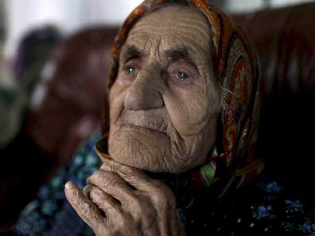 Seu passaporte afirma que ela fez 116 anos no começo de 2011, o que a faria mais velha que a atual detentora do recorde, a americana Besse Cooper (Foto: Reuters)