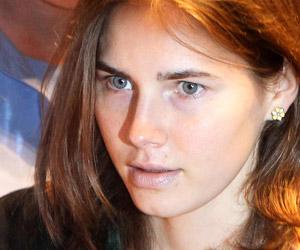 Justiça absolve Amanda Knox  de assassinato de colega na Itália (Giorgio Benvenuti/Reuters)