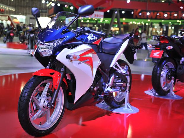 Honda CBR 250R é a porta de entrada para as esportivas (Foto: Divulgação)