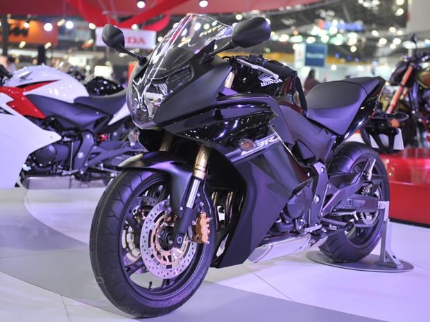 CBR 600F é a nova opção esportiva da Honda  (Foto: Raul Zito/G1)