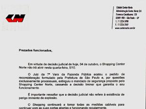 Comunicado a lojistas informa sobre fechamento (Foto: Raphael Prado/G1)