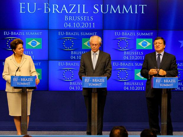 Dilma durante declaração conjunta com os presidentes do Conselho Europeu, Herman Van Rompuy, e da Comissão Europeia, José Manuel Durão Barroso (Foto: Roberto Stuckert Filho / Presidência)