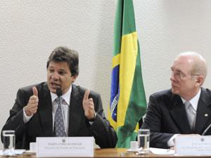 O ministro Fernando Haddad participou de audiência na Comissão de Educação do Senado (Foto: Geraldo Magela/ Agência Senado )
