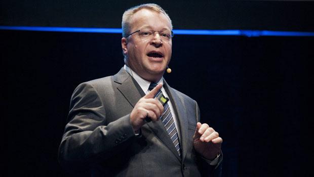Presidente-executivo da Nokia, Stephen Elop, fez declaração sobre celulares com Windows em feira em Helsinque (Foto: Jarno Mela/Lehtikuva/Reuters)